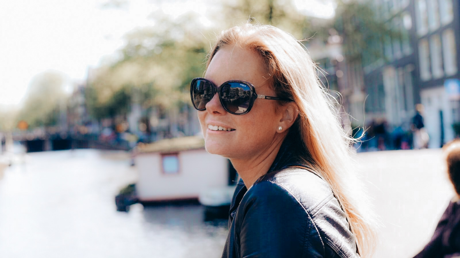 Amsterdam Kim around the World